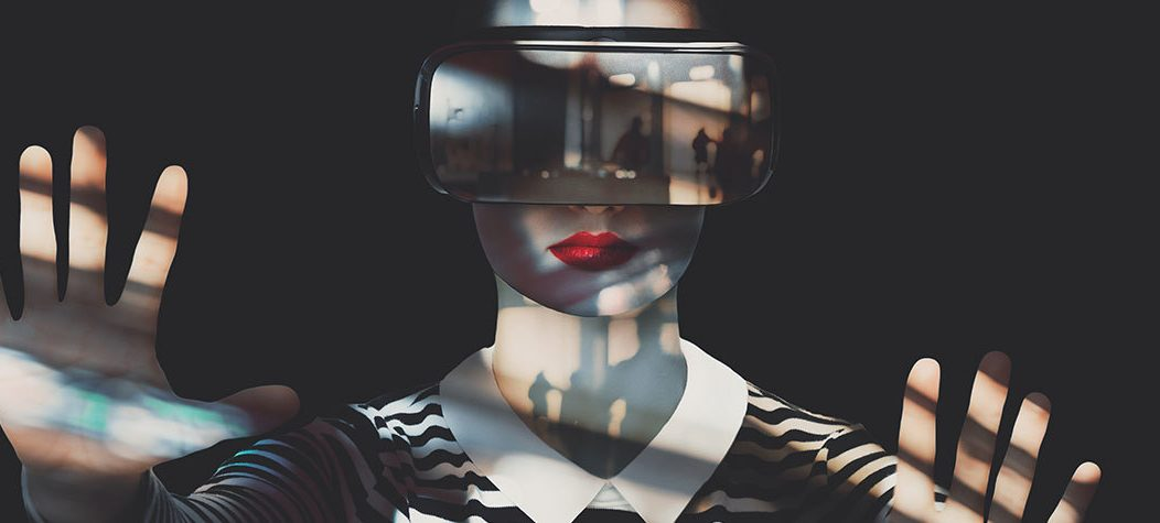 Digital experiences woman VR